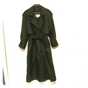 {GALLERY} VINTAGE green full length trench coat.